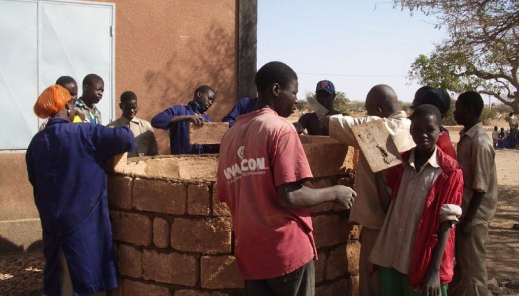 Burkina Faso (Hakuma Matata) CET Boulsa, cursus bouw watervaten